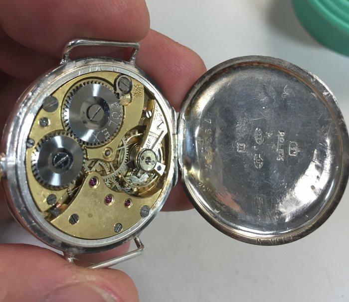 Vintage-Rolex-Pocket-watch-movement