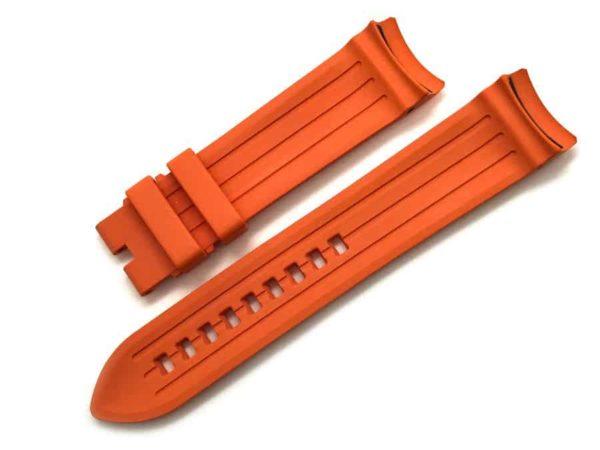 Anti-slip linear pattern on inside of bands
