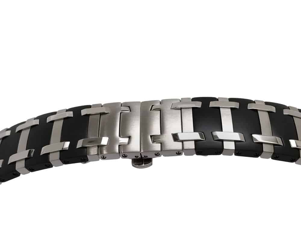 CO838 - Concord Saratoga two tone bracelet closeup