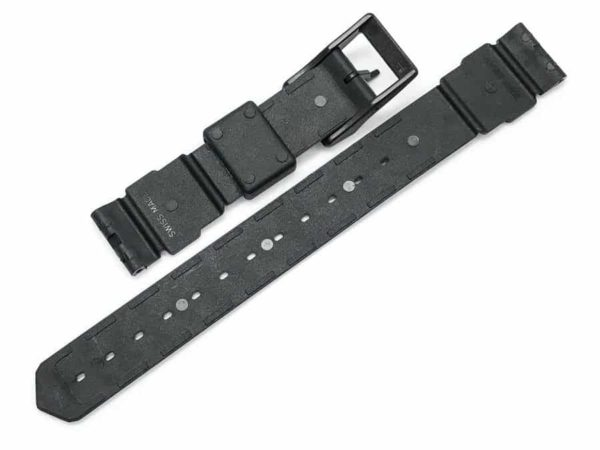 tg081 Includes a black 16mm plastic Tag Heuer buckle